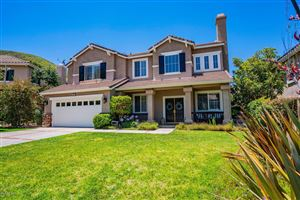 Photo of 587 WINNCASTLE Street, Simi Valley, CA 93065 (MLS # 219011298)