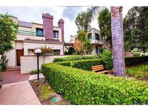 Photo of 18735 HATTERAS Street #43, Tarzana, CA 91356 (MLS # SR18243299)