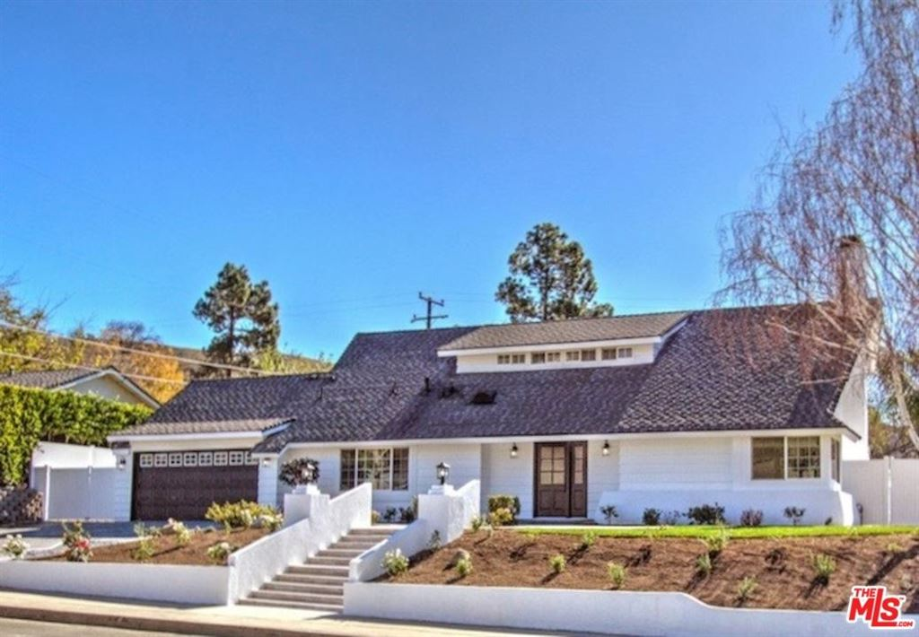 Photo for 2420 HOOD Drive, Thousand Oaks, CA 91362 (MLS # 18342300)