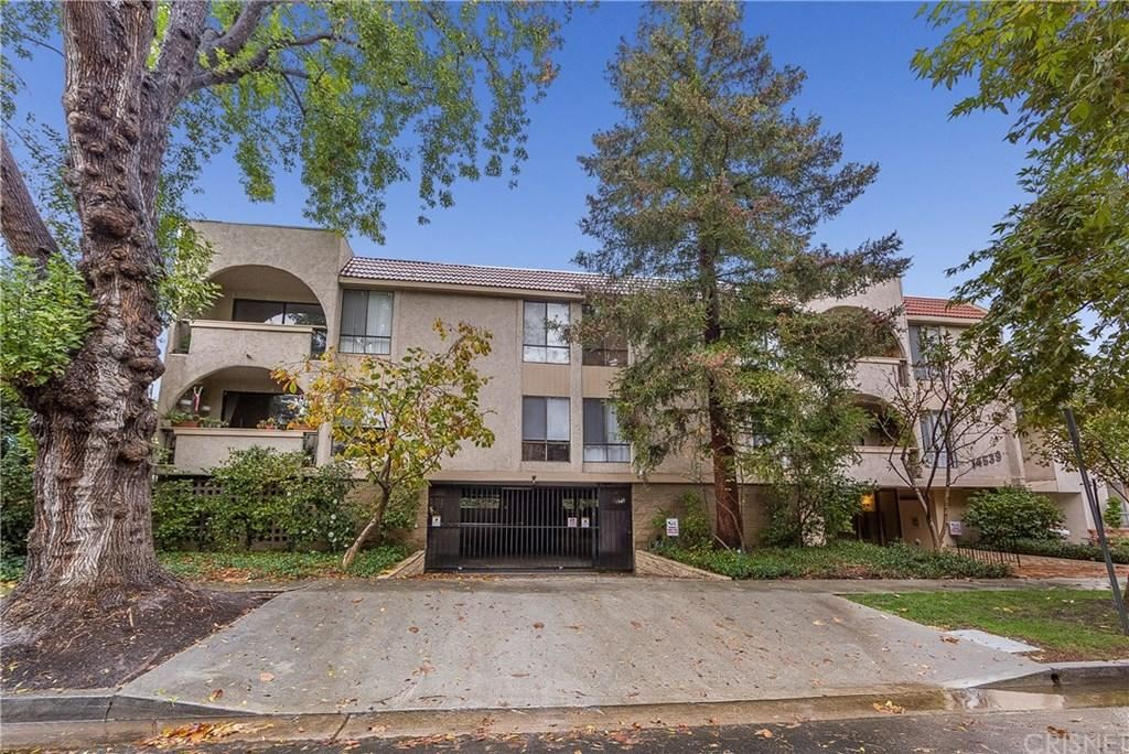 Photo for 14539 BENEFIT Street #204, Sherman Oaks, CA 91403 (MLS # SR19169301)