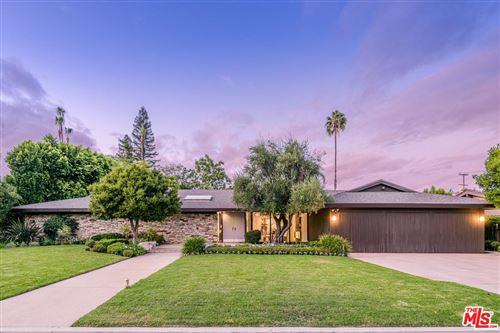 Photo of 17515 CORINTHIAN Drive, Encino, CA 91316 (MLS # 19517302)