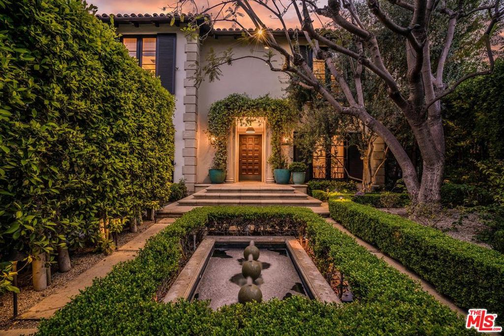 Photo for 603 North SIERRA Drive, Beverly Hills, CA 90210 (MLS # 18385304)