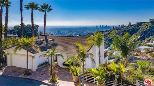 Photo of 2019 SUNSET PLAZA Drive, Los Angeles , CA 90069 (MLS # 20545308)