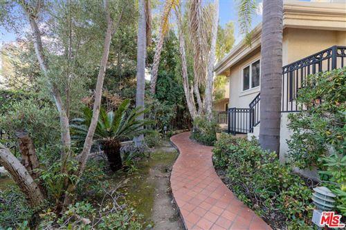 Photo of 843 South BUNDY Drive, Los Angeles , CA 90049 (MLS # 19526310)
