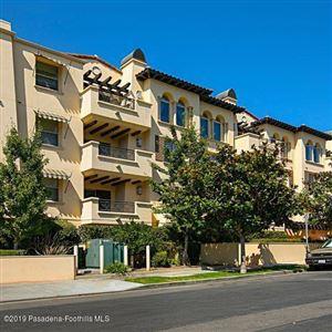 Photo of 5037 ROSEWOOD Avenue #101, Los Angeles , CA 90004 (MLS # 819004310)