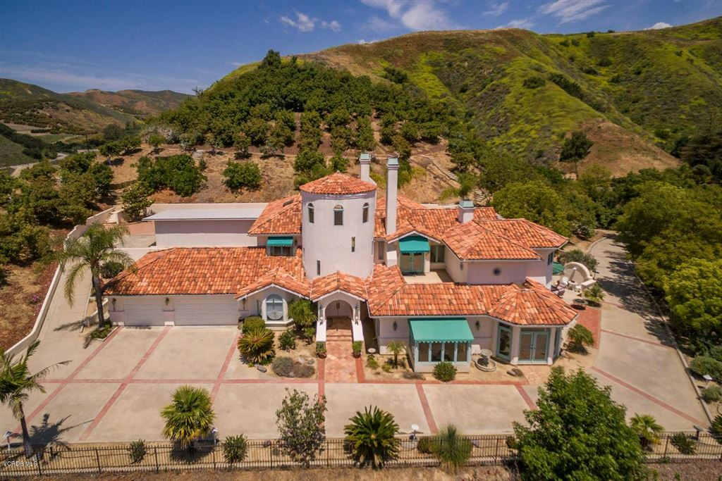 Photo for 6045 BRIDGEVIEW Drive, Ventura, CA 93003 (MLS # 217005311)