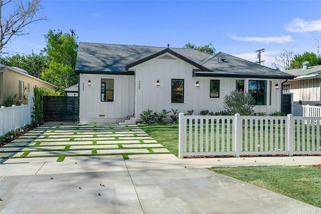 Photo of 4425 VAN NOORD Avenue, Studio City, CA 91604 (MLS # SR20031311)