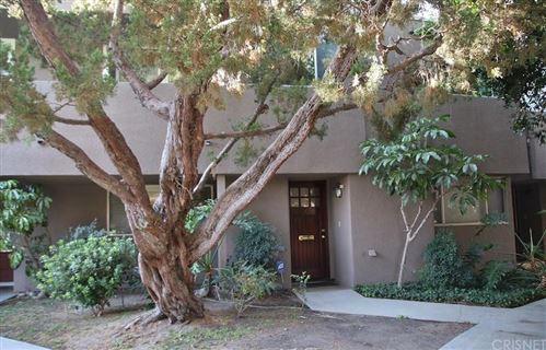 Photo of 18134 KILLION Street #7, Tarzana, CA 91356 (MLS # SR19271316)