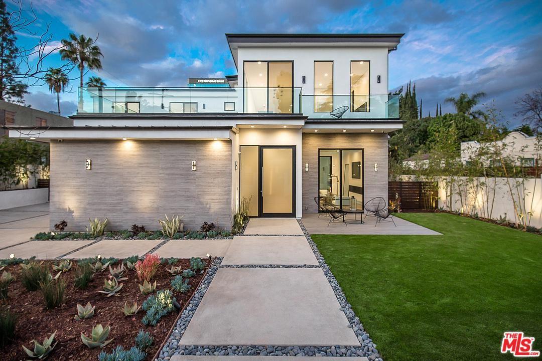 Photo of 15245 GREENLEAF Street, Sherman Oaks, CA 91403 (MLS # 20544318)