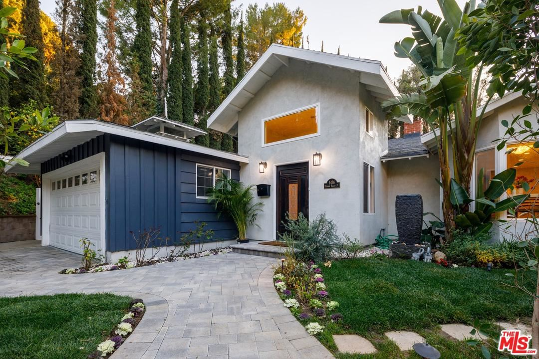Photo of 9476 HIDDEN VALLEY Place, Beverly Hills, CA 90210 (MLS # 20558318)