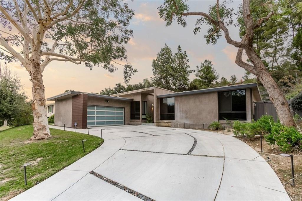 Photo for 4400 TOPANGA CANYON Boulevard, Woodland Hills, CA 91367 (MLS # SR20059320)