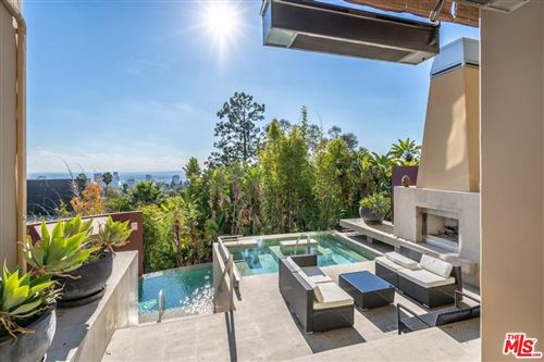 Photo of 6324 QUEBEC Drive, Los Angeles , CA 90068 (MLS # 20564322)