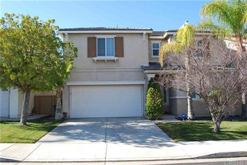 Photo of 27223 CLOVERHURST Place, Canyon Country, CA 91387 (MLS # SR20000330)