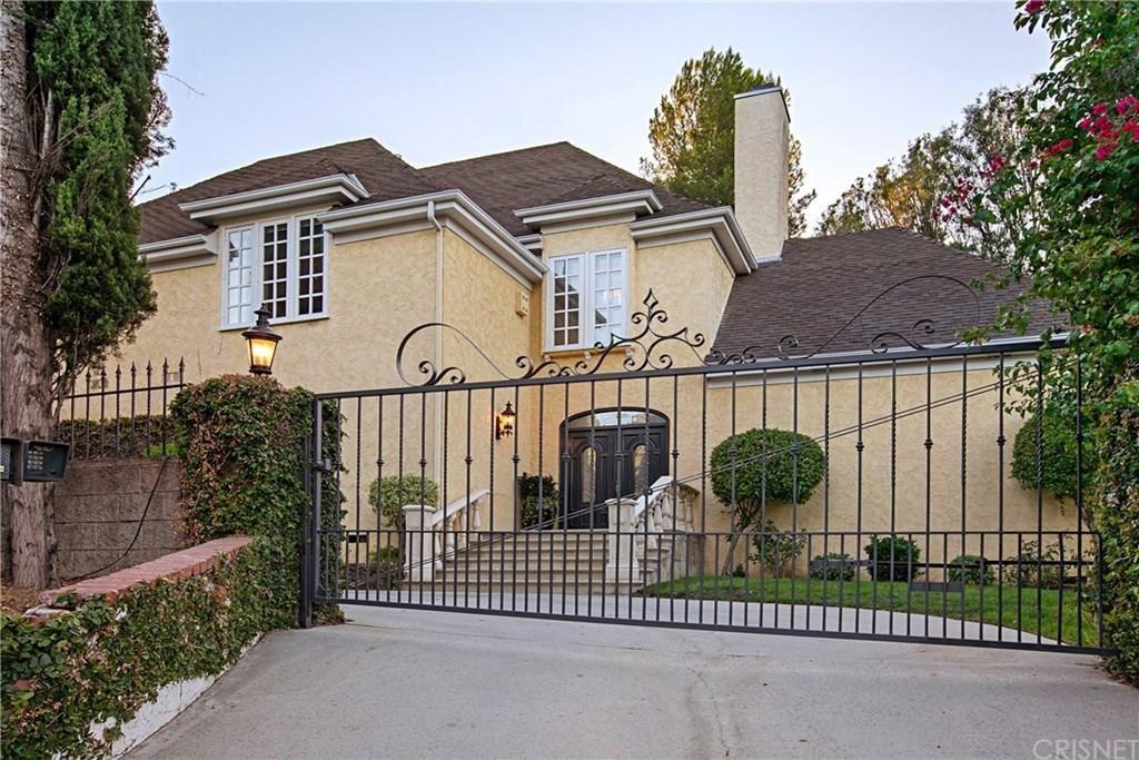 Photo of 3891 SEPULVEDA Boulevard, Sherman Oaks, CA 91403 (MLS # SR20043332)