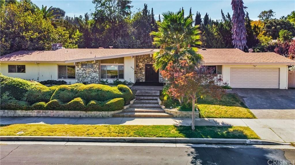 Photo for 24300 CARIS Street, Woodland Hills, CA 91367 (MLS # SR19259339)