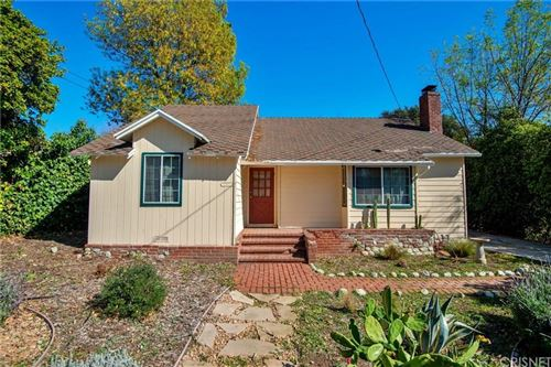 Photo of 1632 ORANGE TREE Lane, La Canada Flintridge, CA 91011 (MLS # SR20039341)