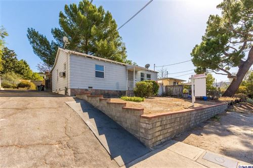 Photo of 10356 MCCLEMONT Avenue, Tujunga, CA 91042 (MLS # 319004346)