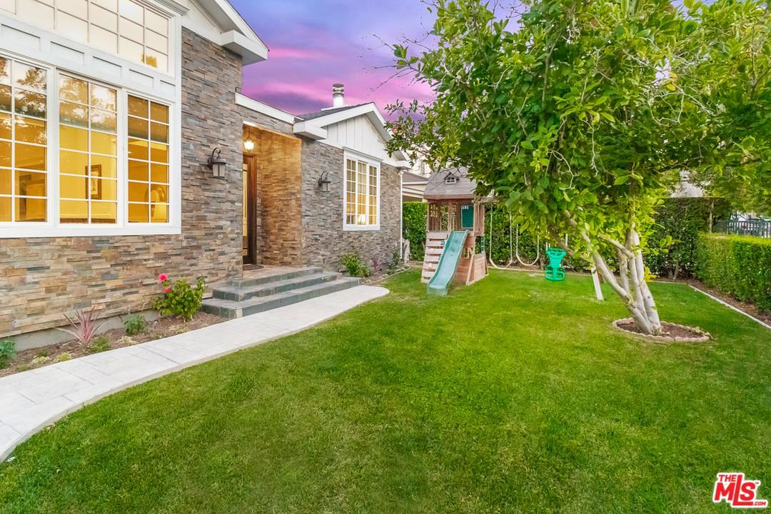 Photo of 4166 NAGLE Avenue, Sherman Oaks, CA 91423 (MLS # 20544346)