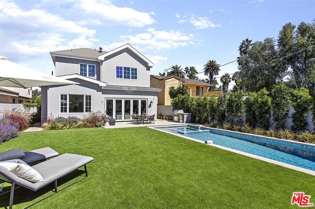 Photo for 3621 BARRY Avenue, Los Angeles , CA 90066 (MLS # 18386348)