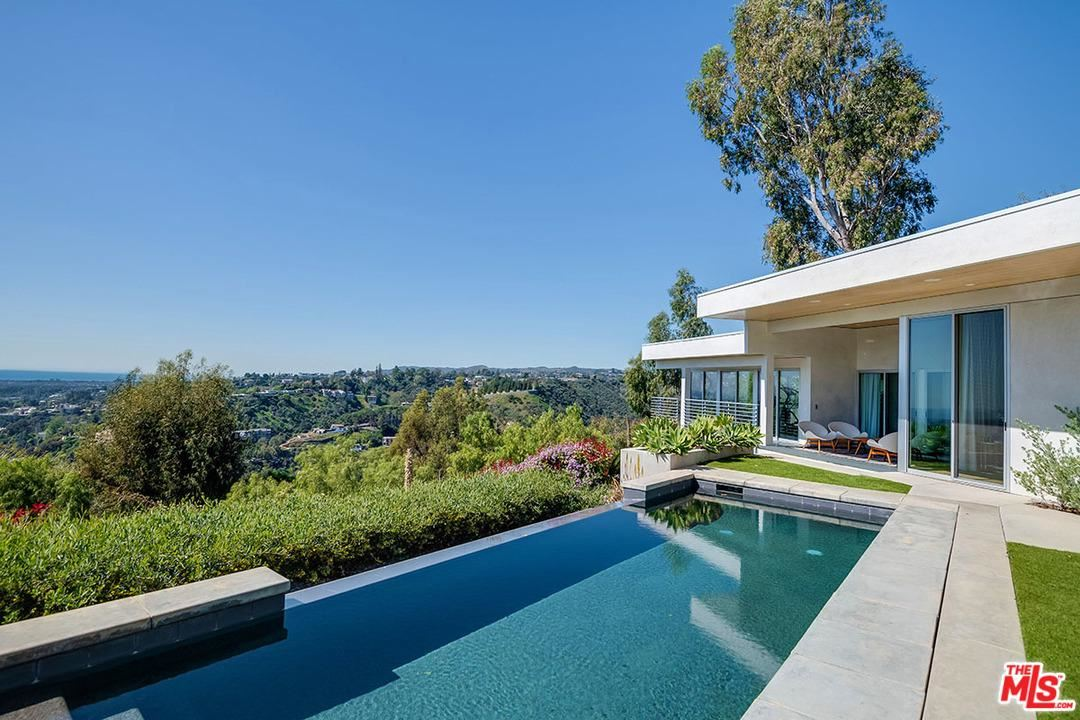 Photo of 1547 TOWER GROVE Drive, Beverly Hills, CA 90210 (MLS # 20562348)