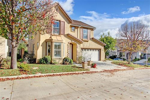 Photo of 284 WHISPERING GATES Court, Simi Valley, CA 93065 (MLS # 220000352)