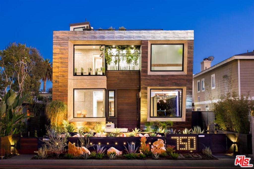 Photo for 750 CALIFORNIA Avenue, Venice, CA 90291 (MLS # 18313354)