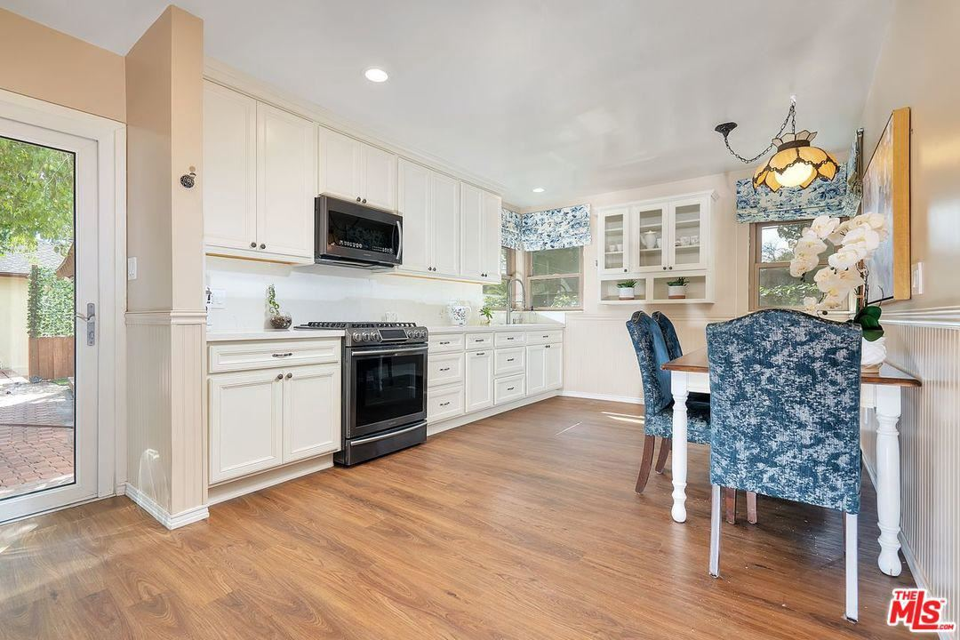 Photo of 14554 KILLION Street, Sherman Oaks, CA 91411 (MLS # 20562354)