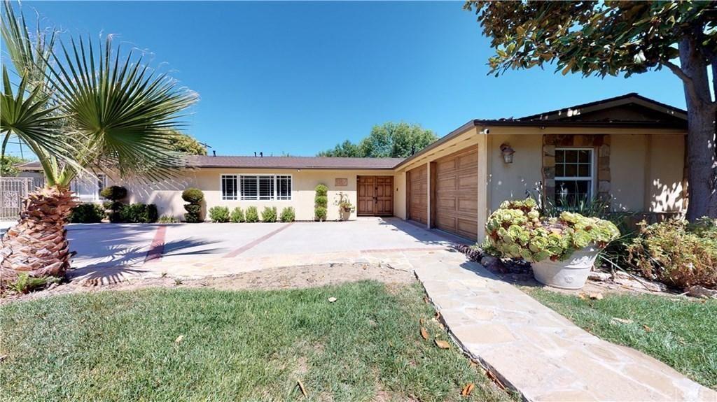 Photo for 5704 COMANCHE Avenue, Woodland Hills, CA 91367 (MLS # SR19169354)