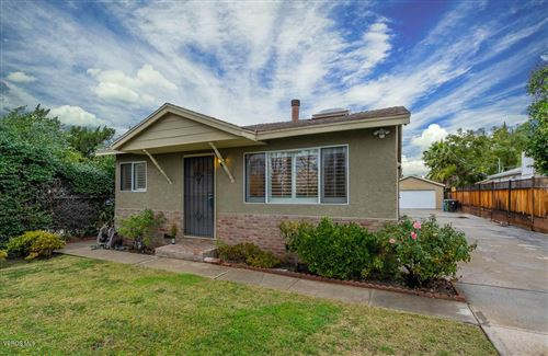 Photo of 22423 CLARENDON Street, Woodland Hills, CA 91367 (MLS # 219014357)