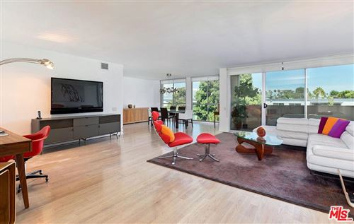 Photo of 1015 North KINGS Road #402, West Hollywood, CA 90069 (MLS # 19519358)