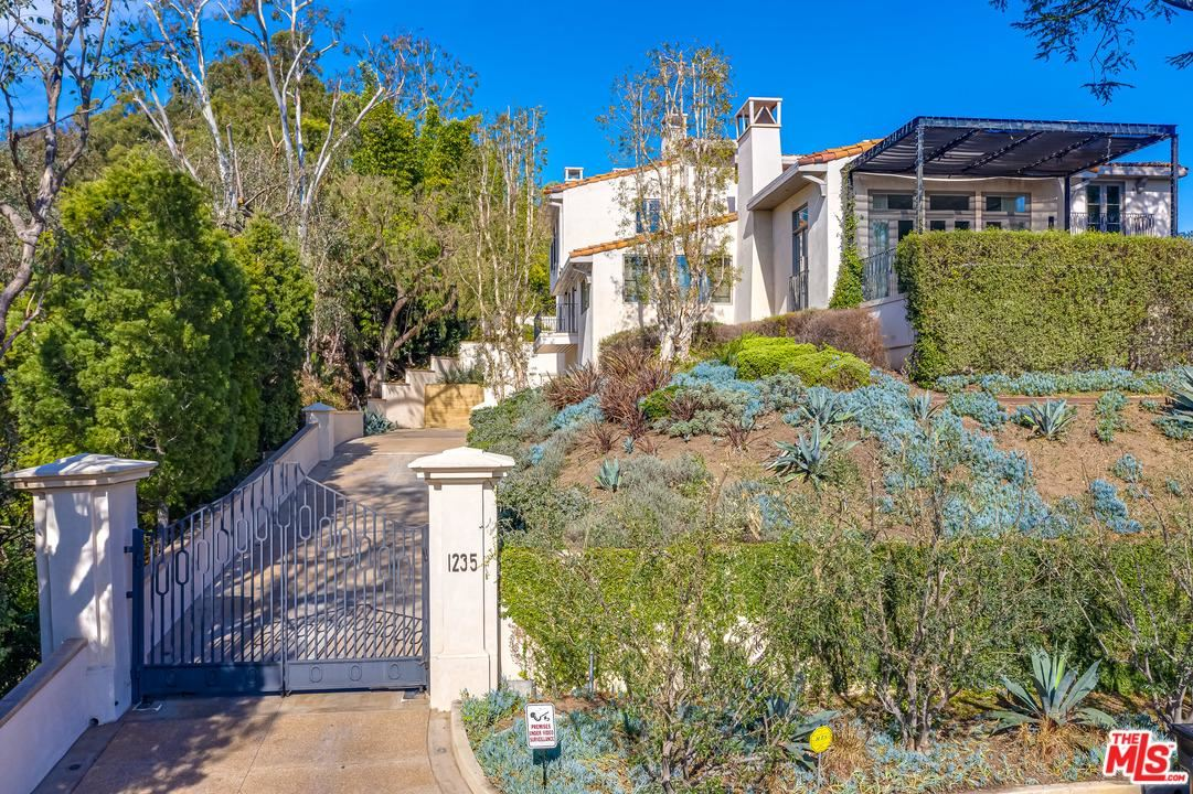 Photo of 1235 TOWER Road, Beverly Hills, CA 90210 (MLS # 20551358)