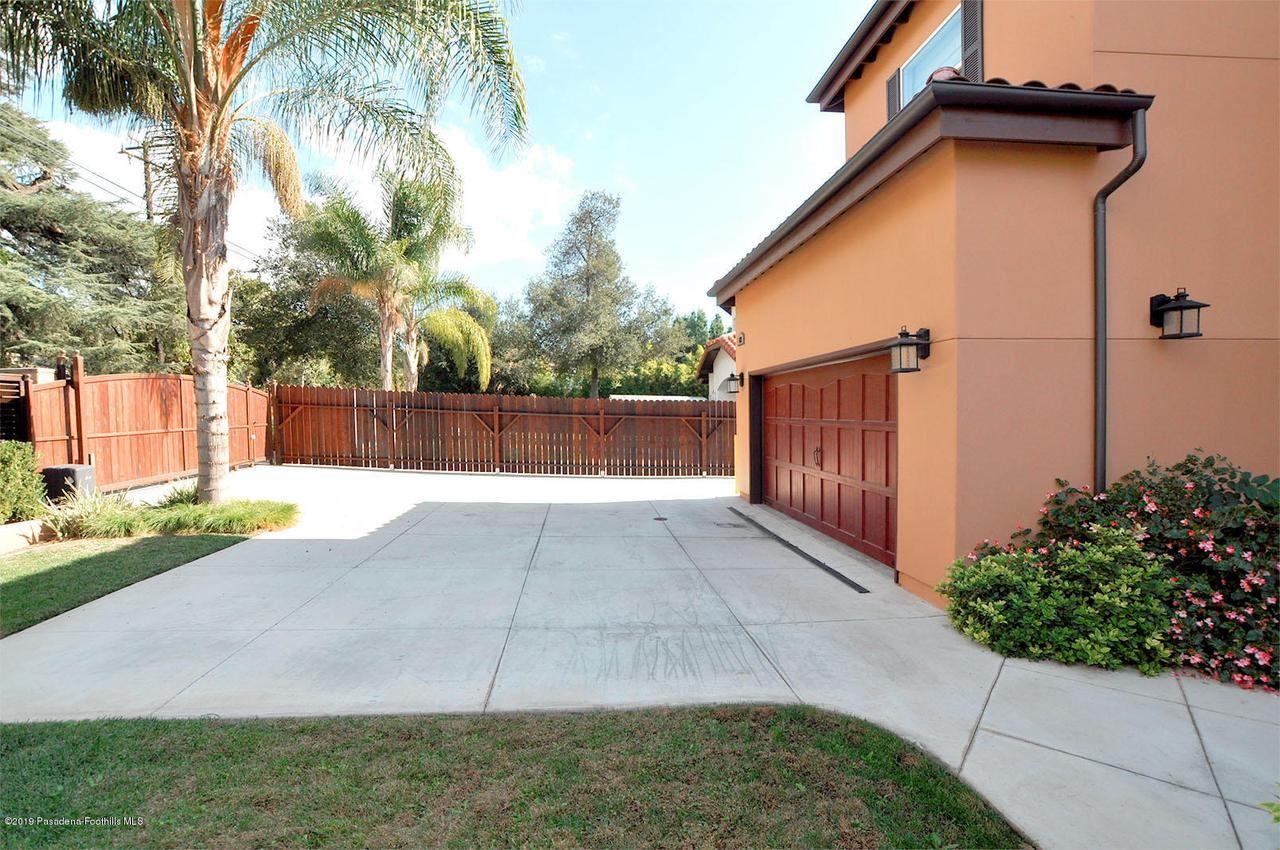 Photo of 432 East SACRAMENTO Street, Altadena, CA 91001 (MLS # 819005359)