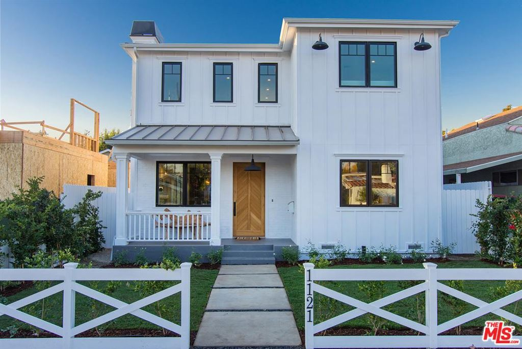 Photo for 1121 NOWITA Place, Venice, CA 90291 (MLS # 18299360)