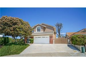 Photo of 22551 HICKORY Place, Saugus, CA 91390 (MLS # SR18096363)