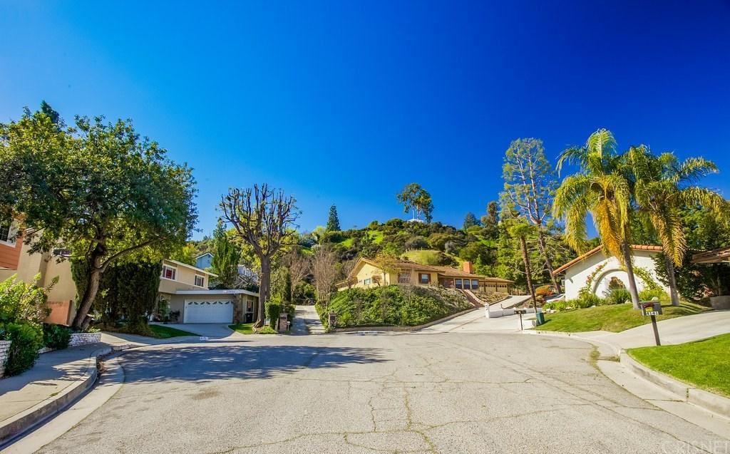 Photo of 4130 MATISSE Avenue, Woodland Hills, CA 91364 (MLS # SR20036363)