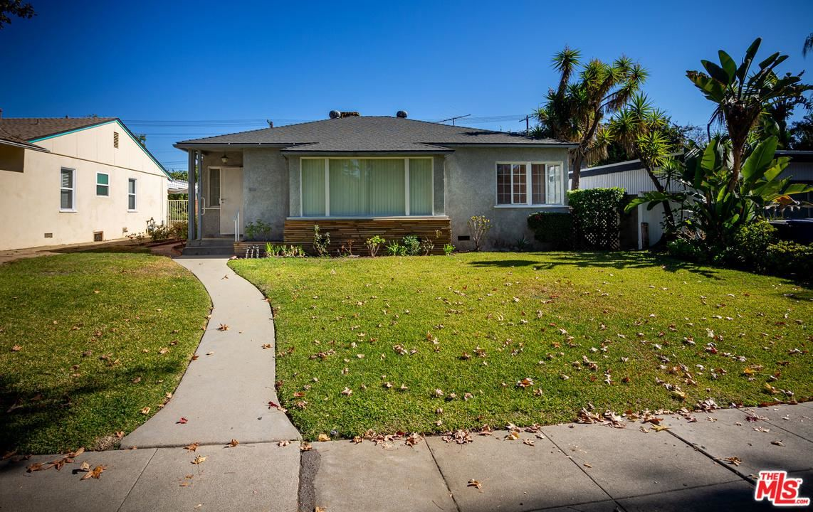 Photo of 4954 WILLOWCREST Avenue, North Hollywood, CA 91601 (MLS # 20547364)