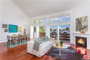 Photo of 1021 North CRESCENT HEIGHTS #302, West Hollywood, CA 90046 (MLS # 18315368)