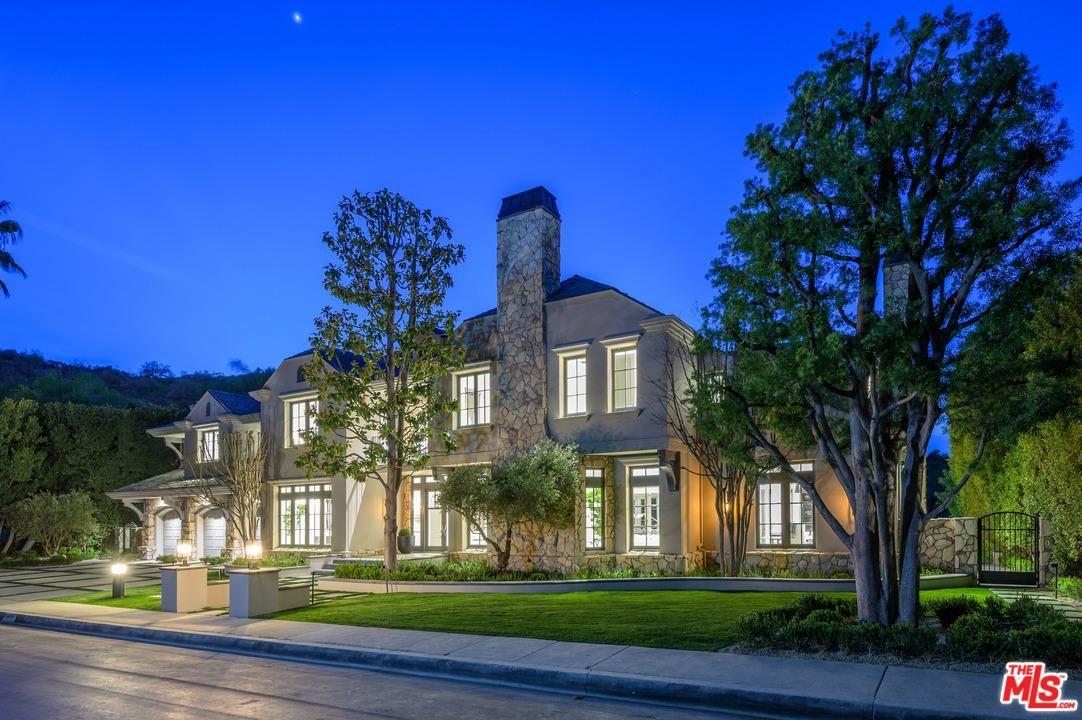 Photo of 14023 AUBREY Road, Beverly Hills, CA 90210 (MLS # 20562370)