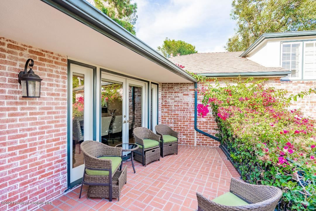 Photo of 1621 ARBOR Drive, Glendale, CA 91202 (MLS # 820000371)