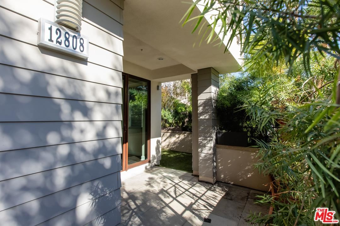 Photo of 12808 South SEAGLASS Circle, Playa Vista, CA 90094 (MLS # 20543372)