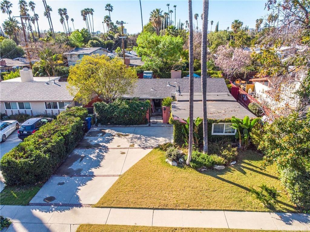 Photo of 6451 JUMILLA Avenue, Woodland Hills, CA 91367 (MLS # SR20037373)