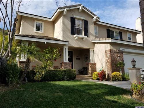 Photo of 26572 SHAKESPEARE Lane, Stevenson Ranch, CA 91381 (MLS # 320000375)
