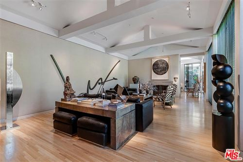 Photo of 715 North CANON Drive, Beverly Hills, CA 90210 (MLS # 19523376)