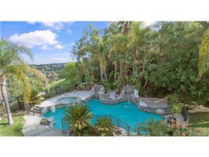 Photo of 4800 AZUCENA Road, Woodland Hills, CA 91364 (MLS # SR18036377)
