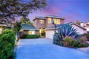Photo of 21319 PROVIDENCIA Street, Woodland Hills, CA 91364 (MLS # SR19194383)