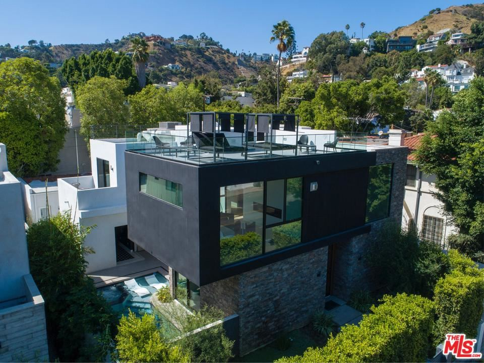Photo of 1621 North FAIRFAX Avenue, Los Angeles , CA 90046 (MLS # 20548384)