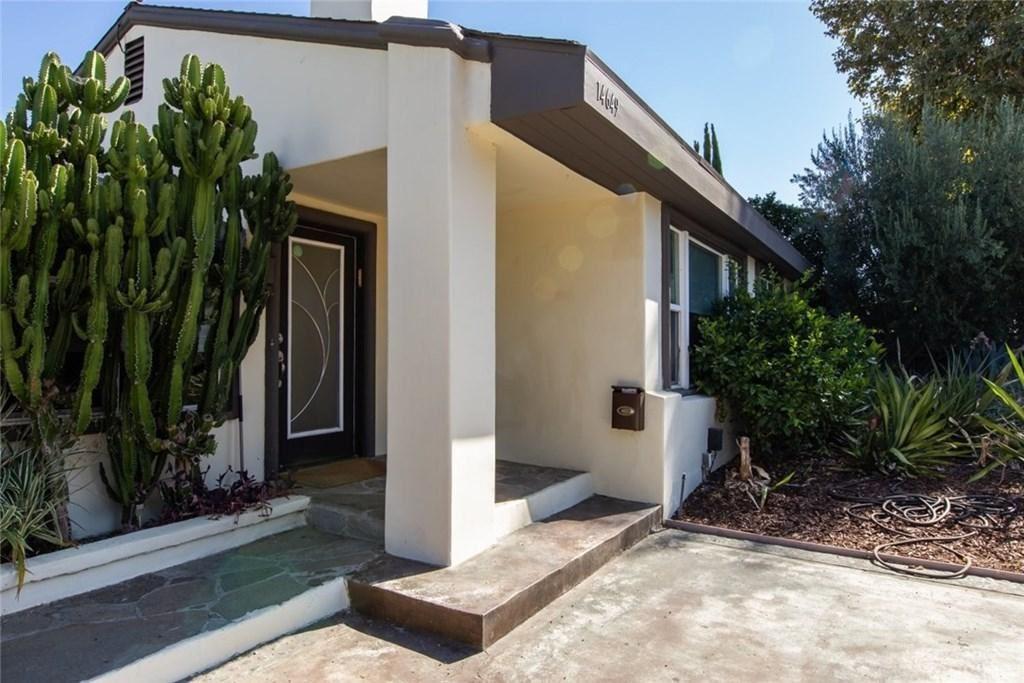 Photo of 14649 MCCORMICK Street, Sherman Oaks, CA 91411 (MLS # SR20024385)