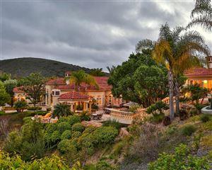 Photo of 955 VISTA RIDGE Lane, Westlake Village, CA 91362 (MLS # 218002386)