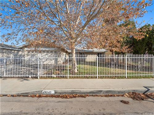 Photo of 43040 GUYMAN Avenue, Lancaster, CA 93536 (MLS # SR19281386)