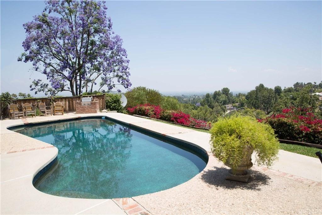 Photo for 4812 DEL MORENO Drive, Woodland Hills, CA 91364 (MLS # SR19260386)